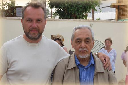 Писатель Борис Гусев (справа) - внук знаменитого врача, основателя Тибетской медицины в России Петра Бадмаева.